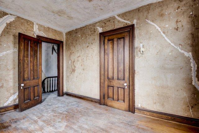 60 Interior Auburn NY Castle Home For Sale Auction Listings Real Estate Agent Broker Michael DeRosa .JPG