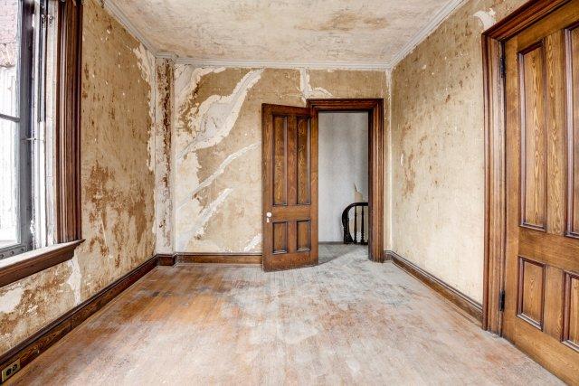 61 Interior Auburn NY Castle Home For Sale Auction Listings Real Estate Agent Broker Michael DeRosa .JPG