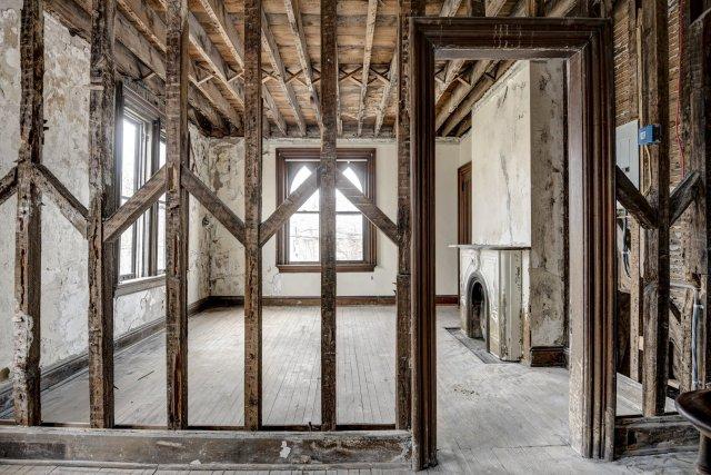 65 Interior Auburn NY Castle Home For Sale Auction Listings Real Estate Agent Broker Michael DeRosa .JPG