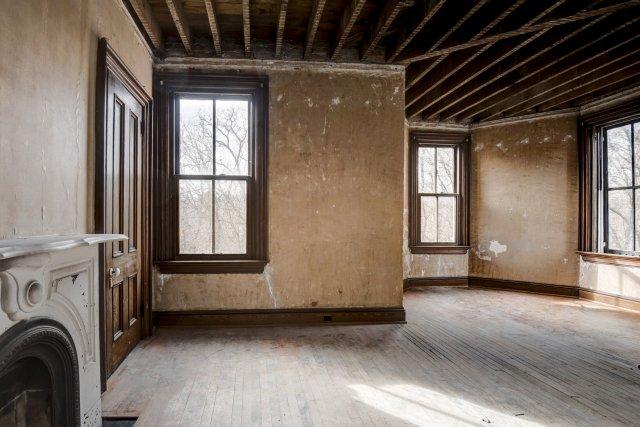 72 Interior Auburn NY Castle Home For Sale Auction Listings Real Estate Agent Broker Michael DeRosa .JPG