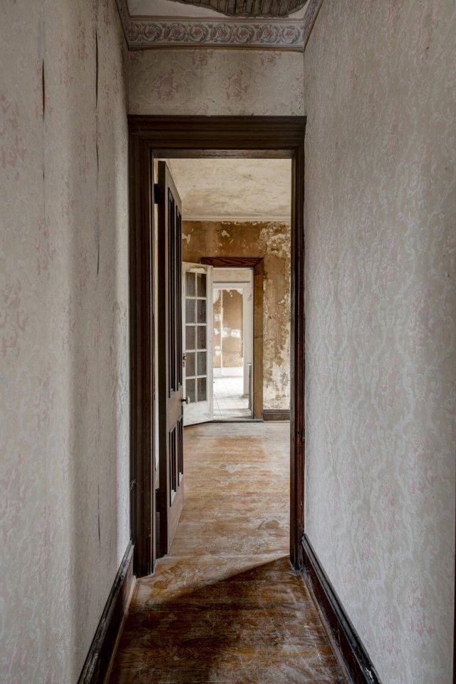 77 Interior Auburn NY Castle Home For Sale Auction Listings Real Estate Agent Broker Michael DeRosa .JPG