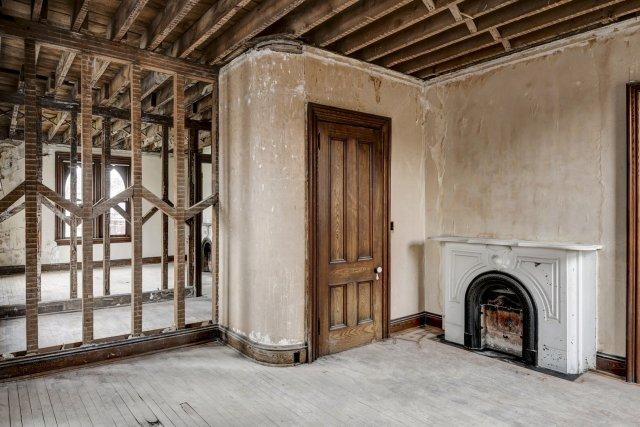 75 Interior Auburn NY Castle Home For Sale Auction Listings Real Estate Agent Broker Michael DeRosa .JPG