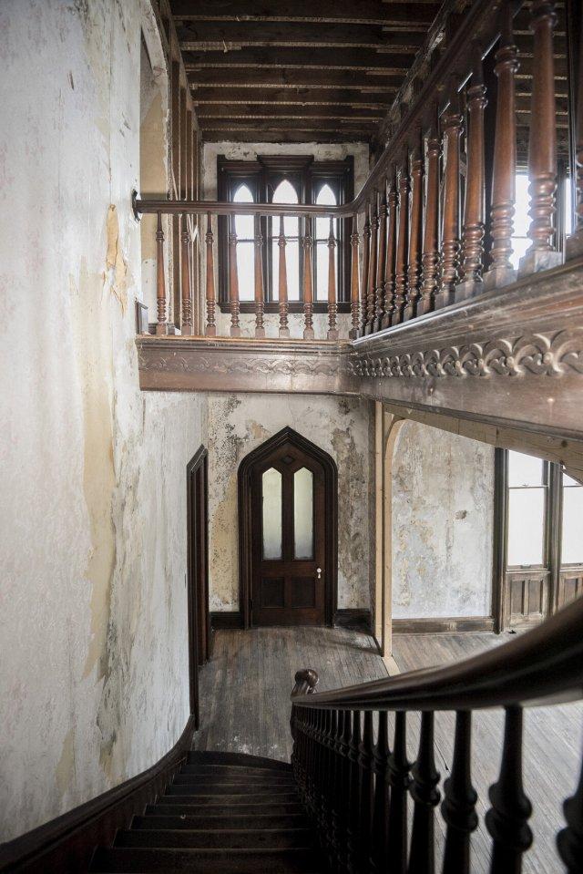 90 Interior Auburn NY Castle Home For Sale Auction Listings Real Estate Agent Broker Michael DeRosa .JPG