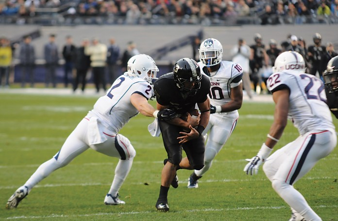 The Huskies will face the Black Knights once again on Saturday afternoon.The above photo is from last year's game on Nov. 8, 2014 against Army, in which the Huskies were defeated 35-21. (File Photo/The Daily Campus)