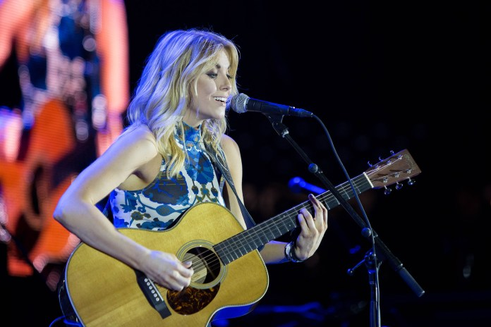 Lindsay Ell is a new country music singer from Canada. She opened for Paisley in Gampel on Friday, Oct. 7.(Jackson Haigis/The Daily Campus)