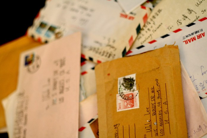"""Communication is ever changing, but that does not mean love letters are on their way to extinction. """"On the contrary, they become more invaluable with every sent emoji,"""" writes Sten Spinella. (Sherman Yang/Flickr Creative Commons)"""