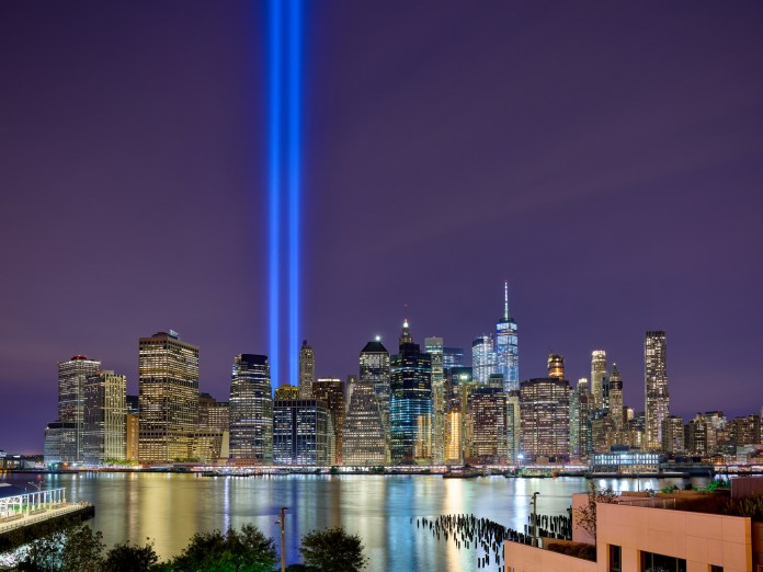 Researchers collaborating with the 9/11 Memorial and Museum have shown that birds migrating above Manhattan, New York will have trouble completing their migrations because they flock toward bright light and become highly disoriented. (Abc36/Wikimedia Creative Commons)
