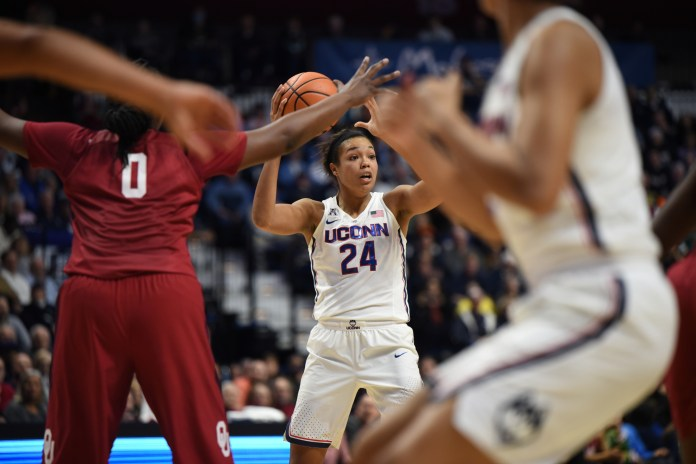 UConn women's basketball team defeats Oklahoma's 88-61 on 12/19/2017. (Charlotte Lao/ The Daily Campus)