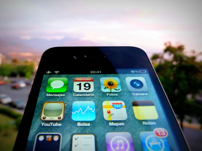 A day with out your phone can be as hard as dieting. (Gonzalo Baeza/Flickr Creative Commons)