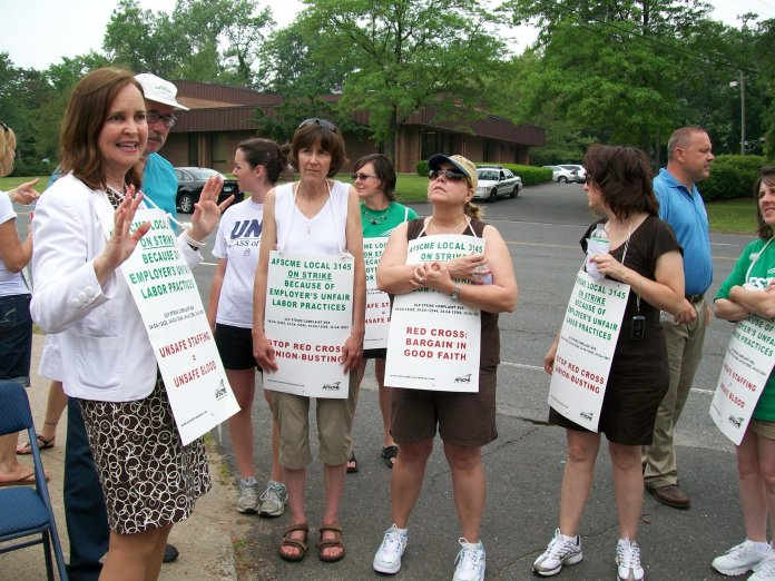 Denise Merrill at a rally in 2008. (Council 4 AFSCME/ Flickr, Creative Commons)