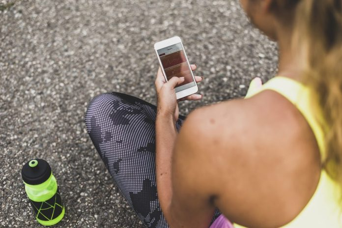 """The study """"Count Your Calories and Share Them: Health Benefits of sharing mHealth Information on Social Networking Sites,"""" published in """"Health Communication,"""" found that receiving encouragement and motivation are both crucial in increasing overall health, which is what many exercise-tracking apps can provide. (Getty Images)"""