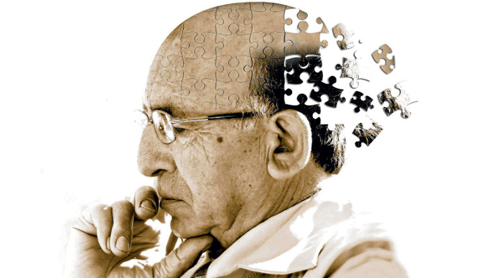 WHAT'S THE DIFFERENCE BETWEEN ALZHEIMER'S AND DEMENTIA? —By DailyCaring Editorial Team. (Photo by HealthAim )