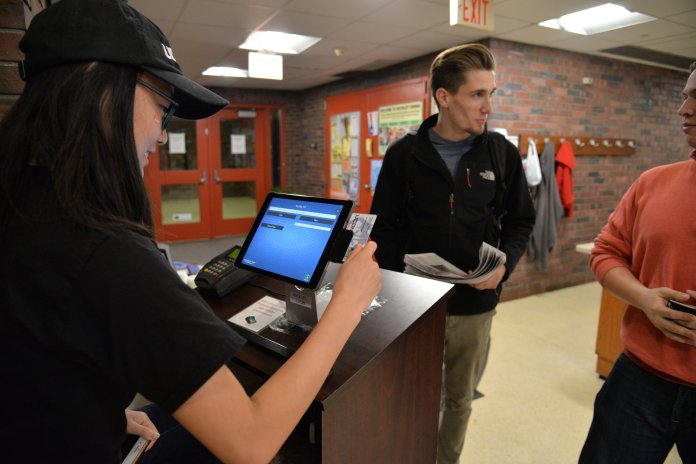 UConn dining services will have numerous job positions open as the semester winds down. (File Photo/ The Daily Campus)