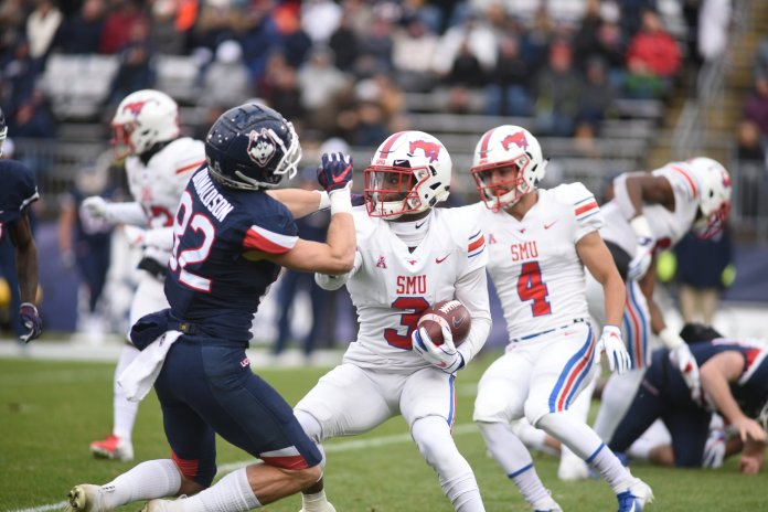 """UConn football struggles in """"close"""" loss to SMU (Charlotte Lao/The Daily Campus)"""