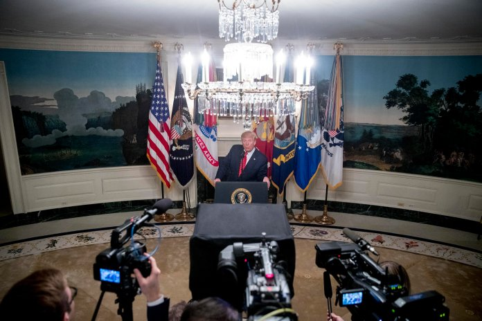 President Donald Trump speaks in the Diplomatic Room of the White House in Washington, Sunday, Oct. 27, 2019, to announce that Islamic State leader Abu Bakr al-Baghdadi has been killed during a US raid in Syria. (AP Photo & Thumbnail / Andrew Harnik)