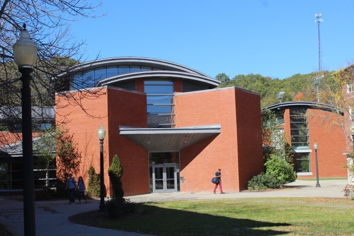 UConn's Department of Dining Services will be sending out a survey to all students around Thanksgiving time. Students are encouraged to reflect upon the merits and pitfalls of Dining Services.  File Photo/The Daily Campus