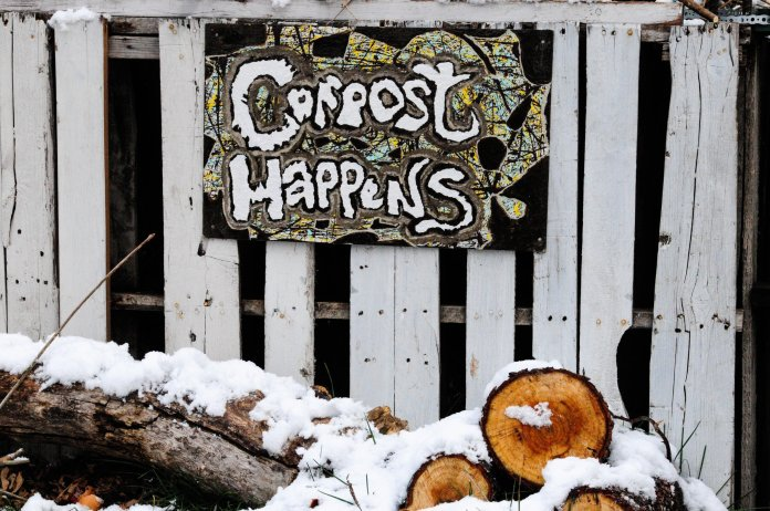 UConn promoting composting can help in the fight against climate change.  Photo by    Toni Reed    on    Unsplash