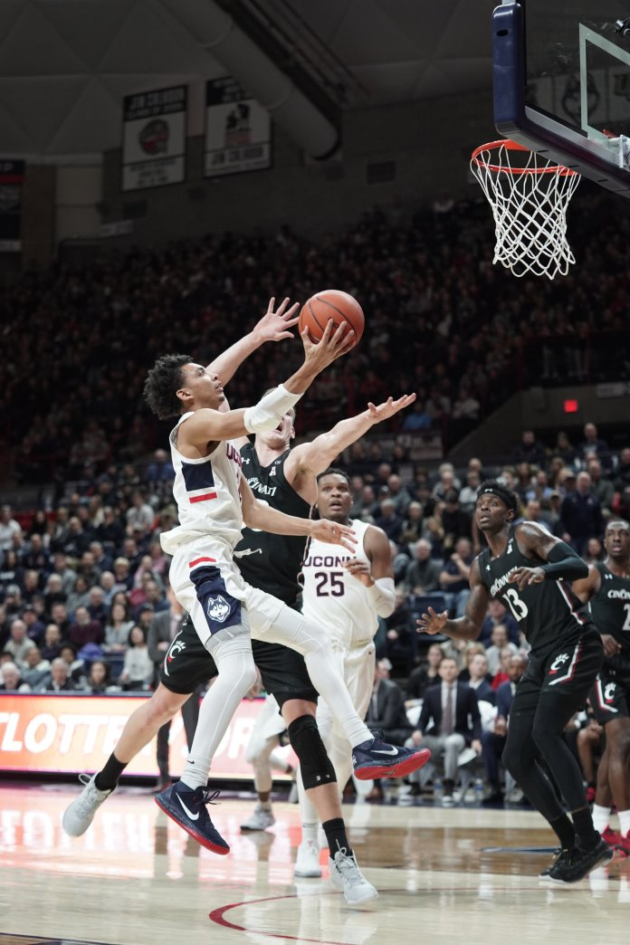 UConn was able to pull off an overtime win against rival Cincinnati. The Huskies have now won back-to-back games against conference opponents.  Photo by Eric Wang / The Daily Campus.