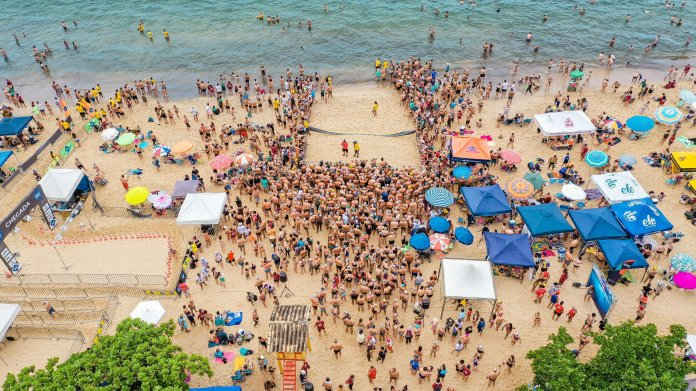 A beach packed with students enjoying their spring break. With spring break rapidly approaching the time to make plans for break is nearing its end.  Photo by    sergio souza    on    Unsplash