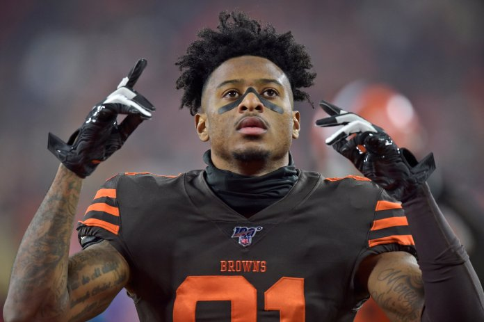 In this Nov. 14, 2019, file photo, Cleveland Browns wide receiver Rashard Higgins gestures before an NFL football game against the Pittsburgh Steelers in Cleveland. Higgins has agreed to a one-year contract to stay with the Cleveland Browns, a person familiar with the agreement told The Associated Press on Tuesday, April 28, 2020. (AP Photo/David Richard, File)