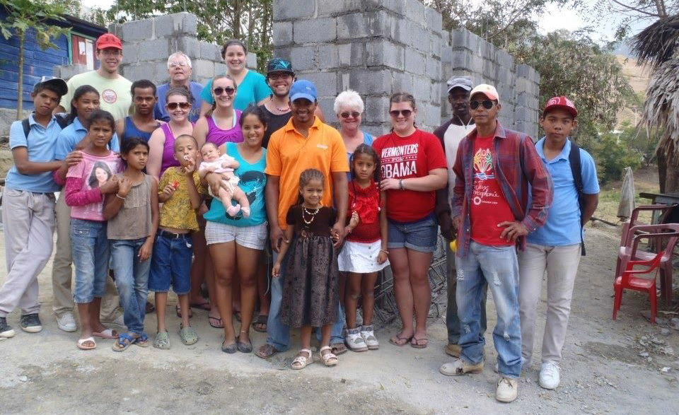 dominican projects people helping