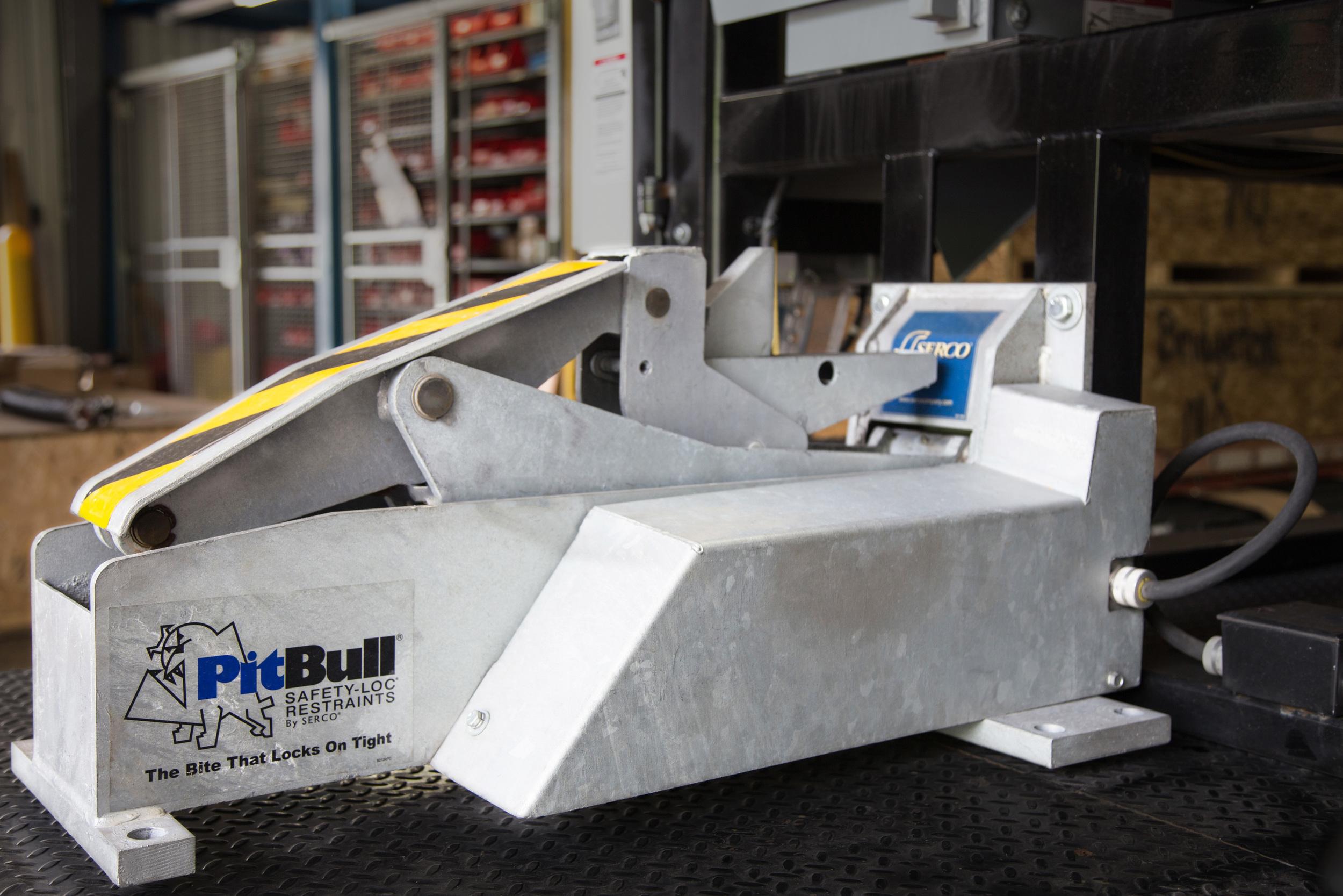 serco pitbull trailer restraint with optional ground mount [ 2500 x 1667 Pixel ]