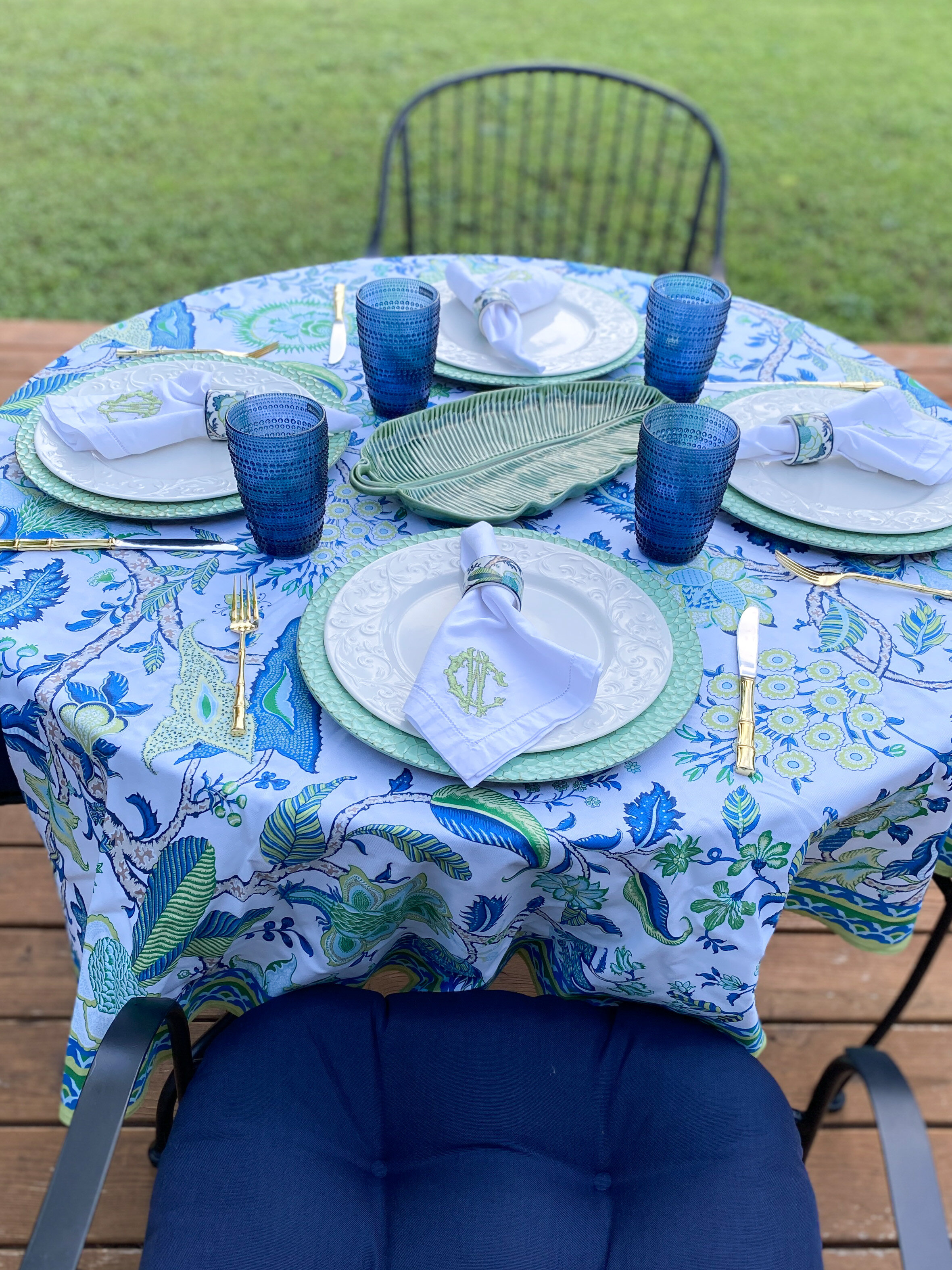 blue white tabletop decor for all