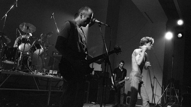 Camera Silens, con Gilles Bertin a la voz, en directo en 1984. Fotografía: Jean Zindel