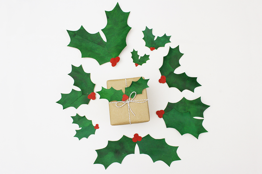 Diy Paper Bag Christmas Holly Leaf Decoration Dottie Bowles