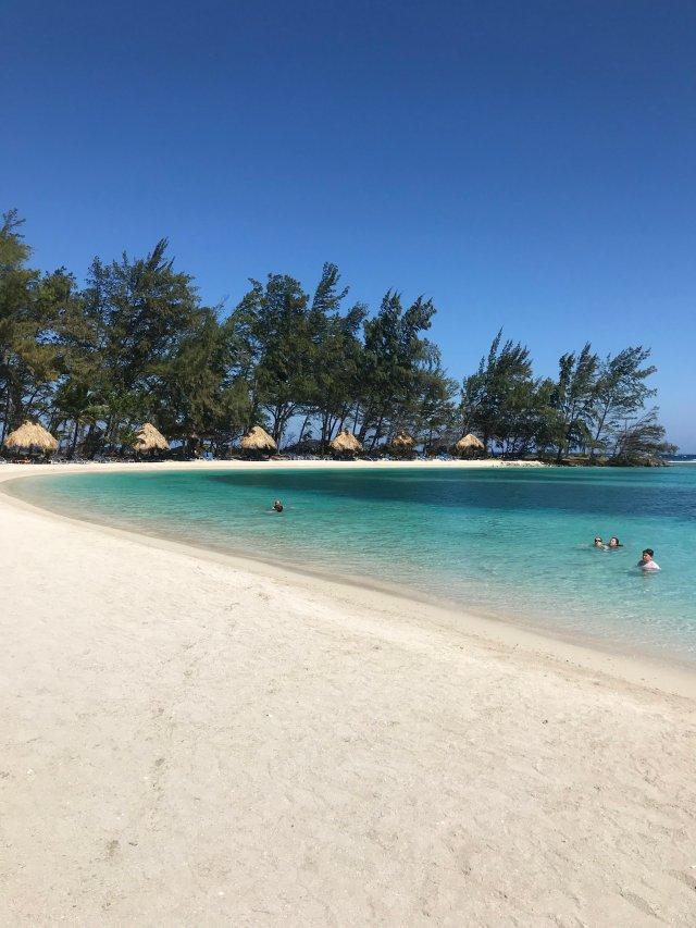 Gorgeous private beaches.