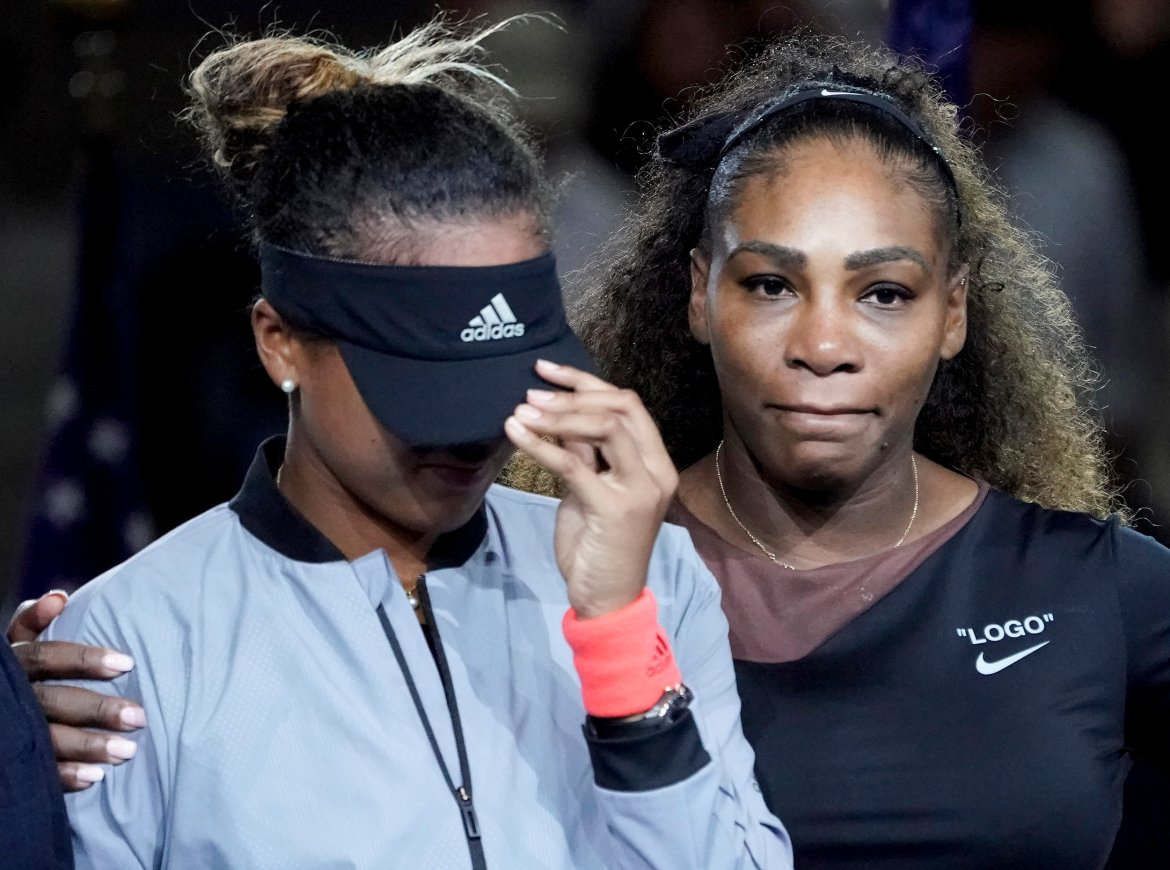 - 1st Place - Robert Deutsch - Naomi Cries Serena Comforts - USA Today
