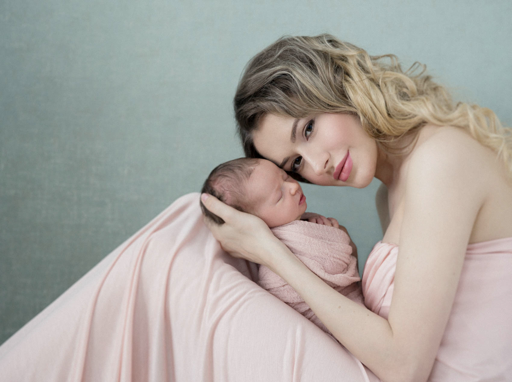 lola melani photography newborn