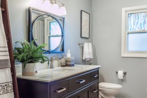 Small Bathroom Remodeling Storage and Space Saving Design ...