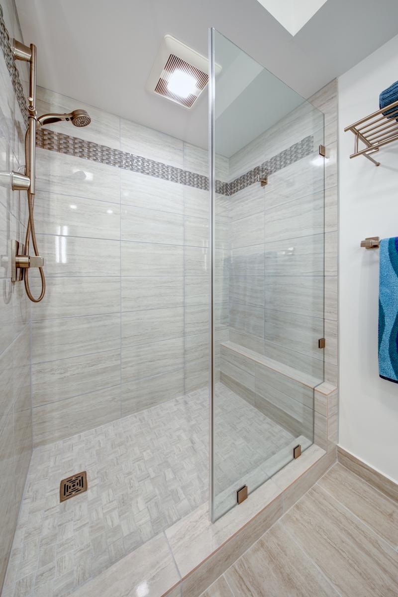 Honolulu Bathroom Remodel With Doorway Arch Moorhead