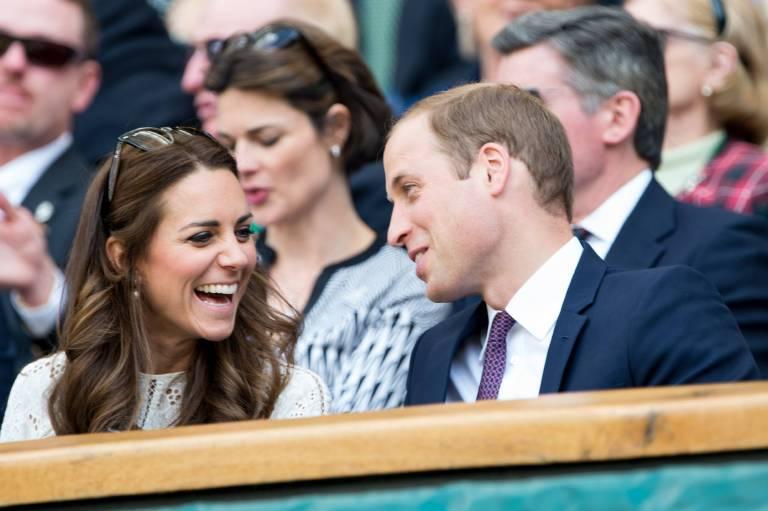 Herzogin Kate und Prinz William amüsieren sich als Zuschauer bei einem Tennisspiel.   Foto: imago/Hoch Zwei