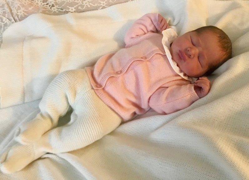 """Goldig! So süß ist die Tochter von Prinzessin Madeleine und Chris O'Neill. """"Sie sieht aus wie Nicolas bei der Geburt"""", findet der stolze Vater.   Foto: Christopher O'Neill"""