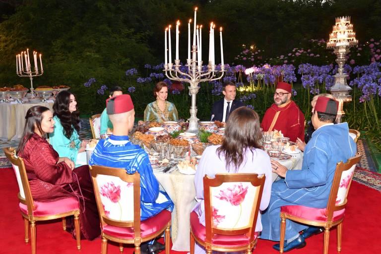 Juni 2017: Die marokkanische Königsfamilie beim gemeinsamen Dinner mit dem französischem Präsidenten und seiner Frau.   Foto:  imago/E-PRESS PHOTO.com