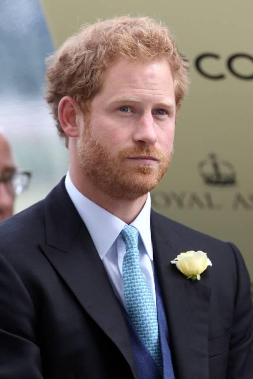 Beim Empfang nach der Hochzeit ließ der Prinz seine Gäste an seinen Gefühlen teilhaben.  ©imago/Frank Sorge