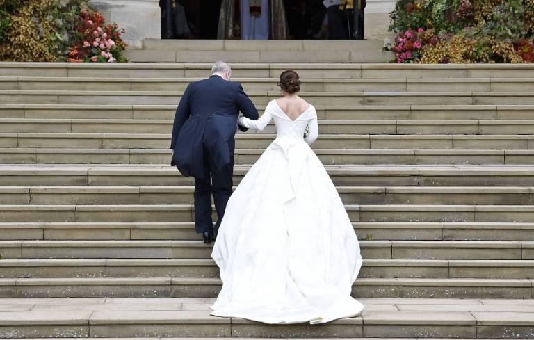 Sie möchte ihre Narben nicht verstecken. Prinzessin Eugenie trägt einen großen Rückenausschnitt.  ©imago