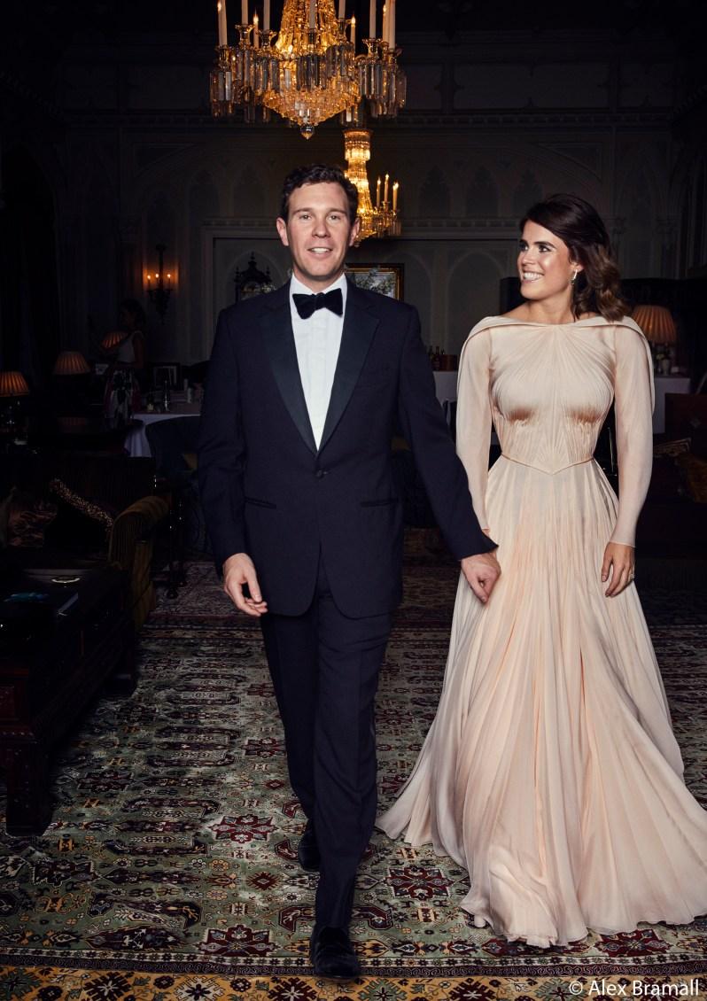 Beim privaten Dinner trug Prinzessin Eugenie ein Abendkleid von Zac Posen.  ©Royal Family / Alex Bramall