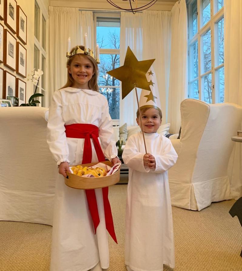 Kronprinzessin Victoria fotografierte ihre Kinder heute am Luciafest.  ©H.K.H. Kronprinsessan