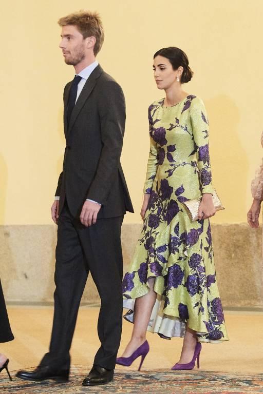 Beim Empfang läuft Alessandra von Hannover hinter ihrem Mann – so verlangt es das Protokoll.  ©imago
