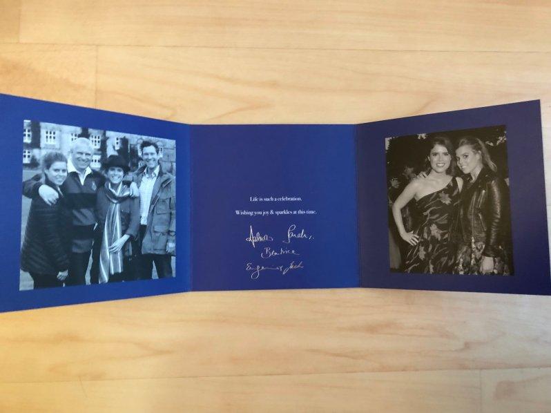 Keine typische Weihnachtskarte: Prinz Andrew und seine Familie halten ihre Grüße allgemein. ©ADELSWELT