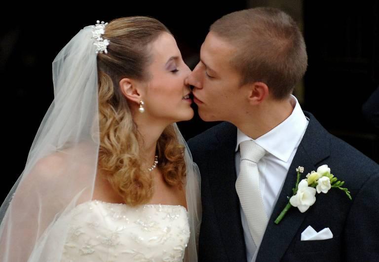 Am 29. September 2006 heiraten Tessy und Louis. Anfang 2017 gaben sie ihre Trennung bekannt, die Liebe zerbrach jedoch schon 1,5 Jahre vorher.  ©imago/Belga