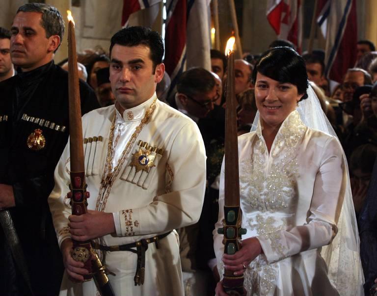 2009: Prinz David und Prinzessin Anna bei ihrer christlich-orthodoxen Hochzeit in Tiflis.  ©imago/ITAR-TASS