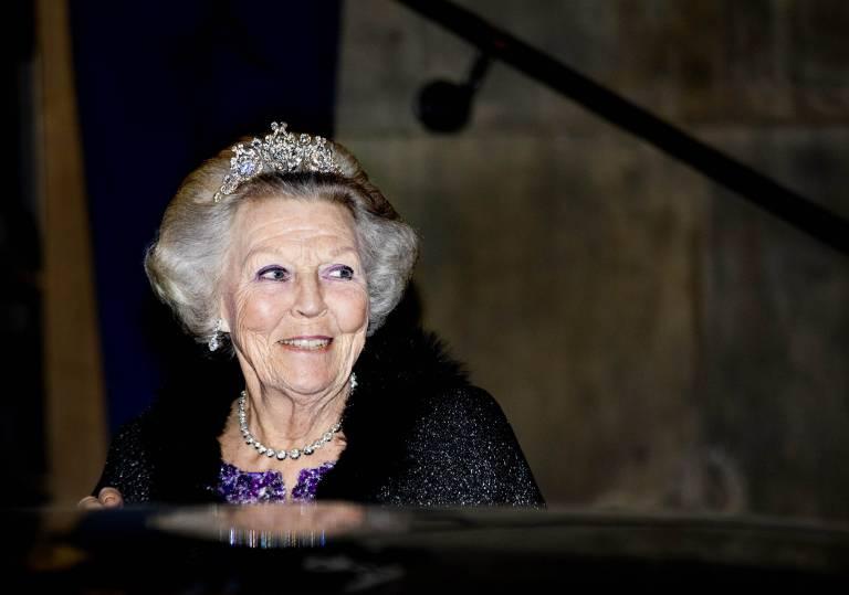 Die ehemalige Königin trägt die Tiara ihrer Mutter.  ©imago images / PPE