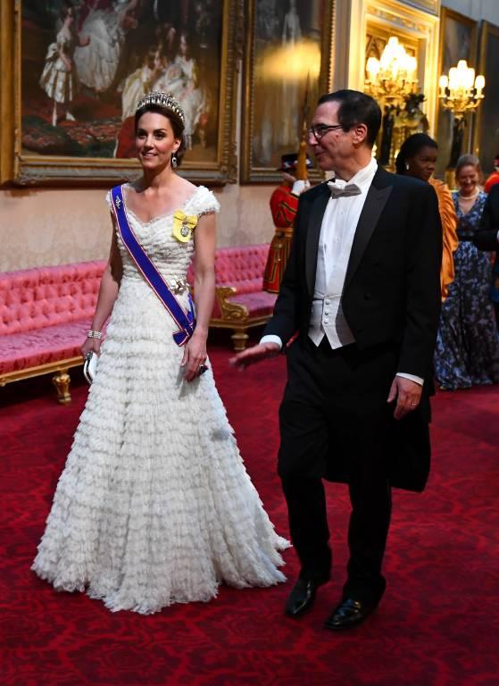 Bestens gelaunt erschien Herzogin Kate beim Staatsbankett. Strahlt so wirklich eine Frau, die auf ihre Rivalin treffen wird? Wohl kaum.  ©imago images / Starface