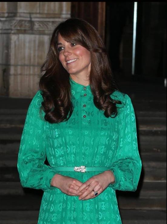 Herzogin Kate überraschte ihre Fans kurz vor der Verkündung mit einer Pony-Frisur. ©imago images / i Images