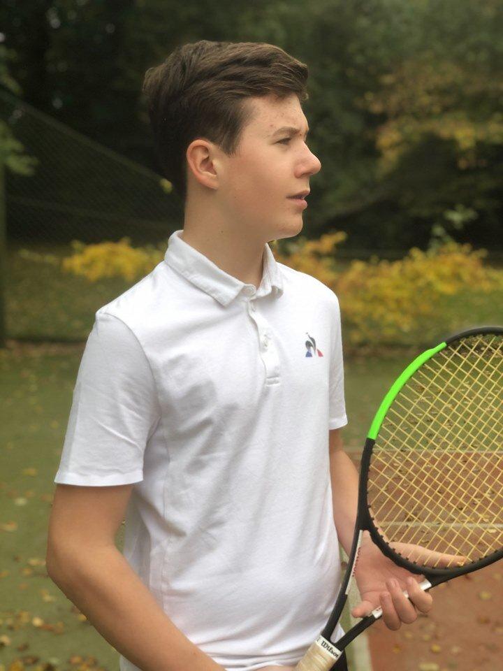 Zu den Hobbys von Prinz Christian zählen Tennisspielen und Skifahren.  © H.K.H. Kronprinsessen Marie