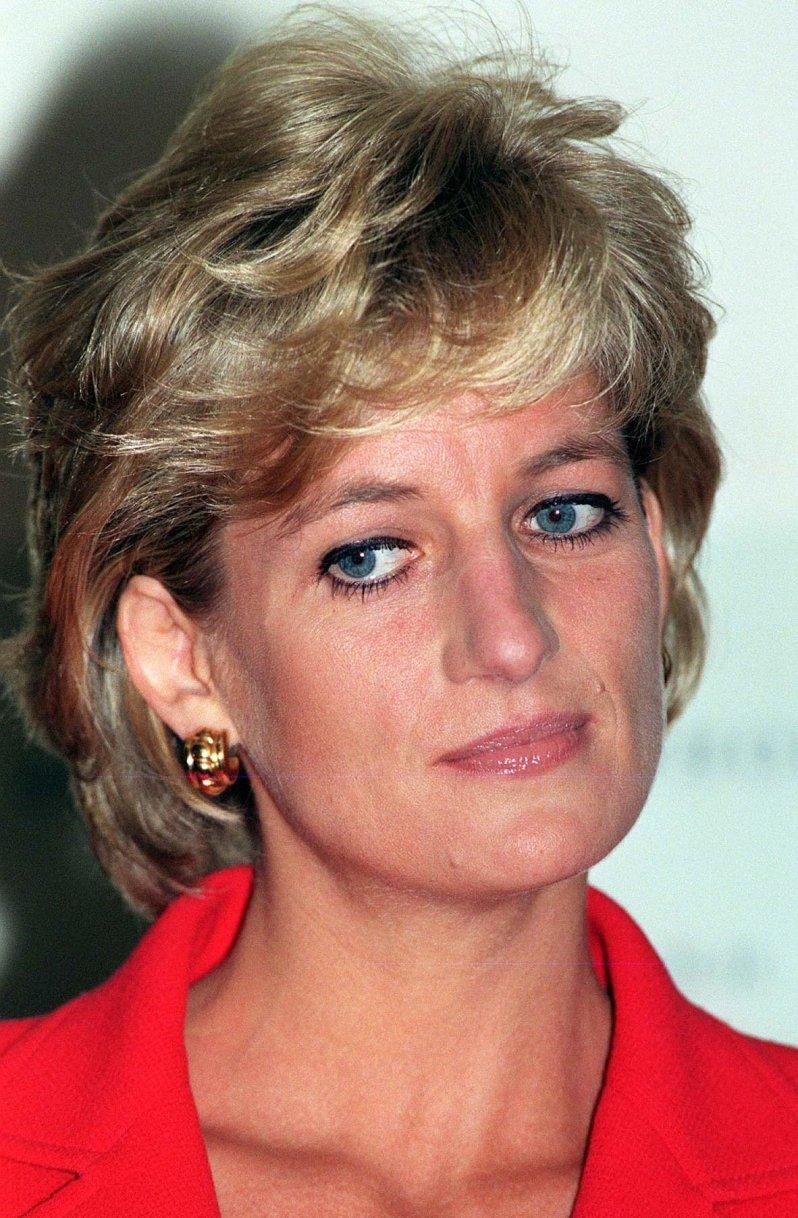 Bereits kurz vor ihrem 32. Geburtstag verfasste Prinzessin Diana ihr Testament. Ein ungewöhnlicher Schritt, für eine Frau in ihrem Alter. Doch ihr letzter Wunsch wurde von ihrer Familie ignoriert.  © picture-alliance / empics